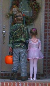 halloween-children-trick-or-treating